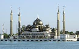 Кристаллическая мечеть в Teregganu, Малайзии стоковые изображения rf
