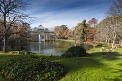 Кристаллический дворец (Palacio de cristal) в парке Retiro, Мадриде, Испании Стоковое фото RF