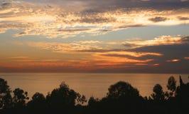 Кристаллический заход солнца Калифорнии пляжа Ньюпорта бухты Стоковые Изображения RF