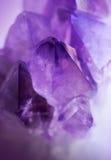 Кристалл драгоценной камня фиолетовый amethyst Стоковые Изображения RF