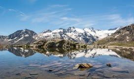 Кристл - ясное озеро горы Стоковые Фотографии RF