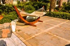 Крит, Греция - гамак на роскошном экзотическом курорте Стоковое Изображение