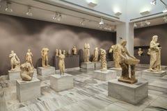 Крит Греция приземлился продолжающееся солнце лучей плоскости Археологический музей в ираклионе стоковые фото