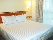 кровать уютная Стоковые Изображения