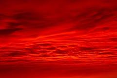 Кровопролитные облака в горах Стоковые Фото