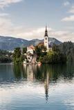 кровоточенная другая сторона Словения озера церков замока Стоковые Изображения RF