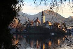 Кровоточенная церковь предположения, Словения стоковое изображение