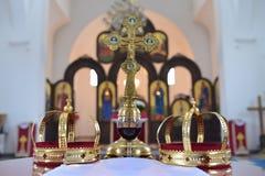 Крона и крест для wedding Стоковые Изображения