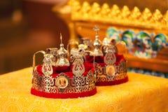 Кроны золота для wedding в церков Стоковые Изображения RF