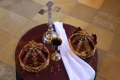 Кроны для свадьбы церков Стоковые Фотографии RF