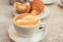 Круасанты и кофе Стоковое фото RF