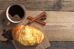 Круасант и кофе стоковая фотография