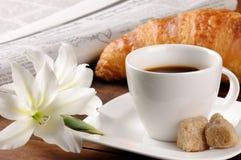 круасант кофе завтрака Стоковое Фото