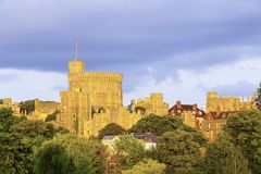 Круглая башня на замке Виндзора Виндзор, Беркшир, Англия, Великобритания Стоковое Фото