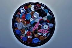 Круглая коробка с кнопками стоковое фото rf