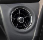 Круглое вентиляционное отверстие автомобиля стоковые изображения