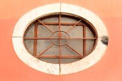 Круглое окно с стальными прутами Стоковое фото RF