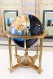 Круглые антиквариаты карты мира старые - музей Шарджи Стоковое Изображение RF