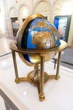 Круглые антиквариаты карты мира старые - музей Шарджи Стоковые Фото