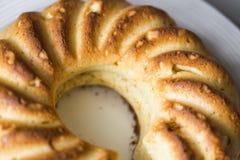Круглые торт или чизкейк творога стоковые фото