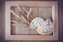 Круглые хлеб и колоски Стоковые Изображения RF