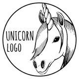 Круглый логотип единорога; иллюстрация EPS10 вектора стоковые изображения
