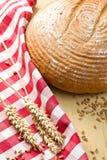 круглый стол кухни хлеба стоковая фотография