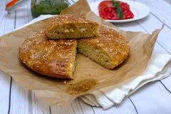 Круглый хлеб с сезамом стоковые изображения rf