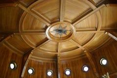 Круговая комната с компасом Стоковое Изображение RF