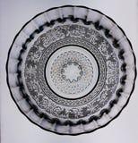 Круговой дизайн стеклянной пластинки на белой предпосылке стоковое фото rf