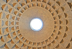 Круговой купол пантеона Италия rome Стоковое Изображение RF
