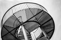 Круглая башня металла с внутренней спиральной лестницей Стоковые Фото