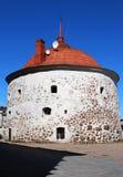 Круглая башня на рыночной площади в старой средневековой части Выборга Стоковые Фото