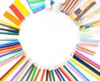 Круглая рамка от карандашей, ручек войлок-подсказки и бумаги Стоковые Изображения