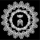 Круглая рамка - флористический орнамент шнурка Стоковое Фото