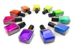 Круг бутылок маникюра лака красочный на белизне Стоковое фото RF
