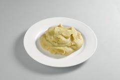 Круглое блюдо с помятый фасолей и горохов Стоковые Изображения RF
