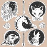 Круглые шаблоны с животными Лошади, лиса, волк, орел Иллюстрация штока