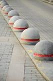 Круглый каменный край тротуара дороги Стоковые Изображения RF