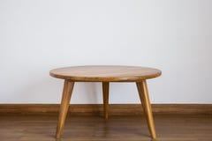 круглый стол деревянный Стоковое Изображение