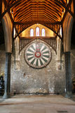 Круглый стол короля Артура на стене виска в Винчестер Англии u Стоковое Изображение