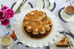 Круглый торт плодоовощ украшенный с марципаном Стоковые Фото