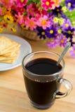 Кружка и шутихи кофе стоковое фото rf