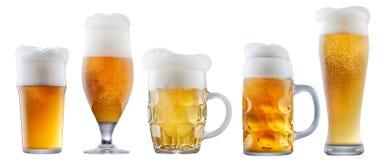 Кружка морозного пива с пеной Стоковые Фотографии RF