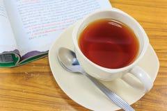Кружка чая с кассетой Стоковая Фотография RF