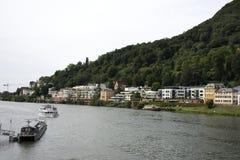 Круизы ехать в Рейне и Реке Neckar в Гейдельберге, Германии стоковые изображения rf