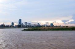 Круиз захода солнца Пномпень в Камбодже Стоковая Фотография