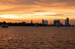 Круиз захода солнца Пномпень в Камбодже Стоковые Изображения RF