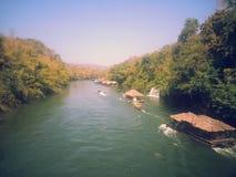 Круиз на реке Kwai на национальном парке Sai Yok Стоковое Изображение RF