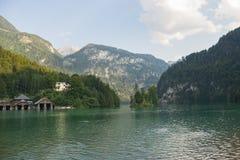 Круиз шлюпки горы Königssee Konigssee озера высокогорный ледниковый Стоковое фото RF